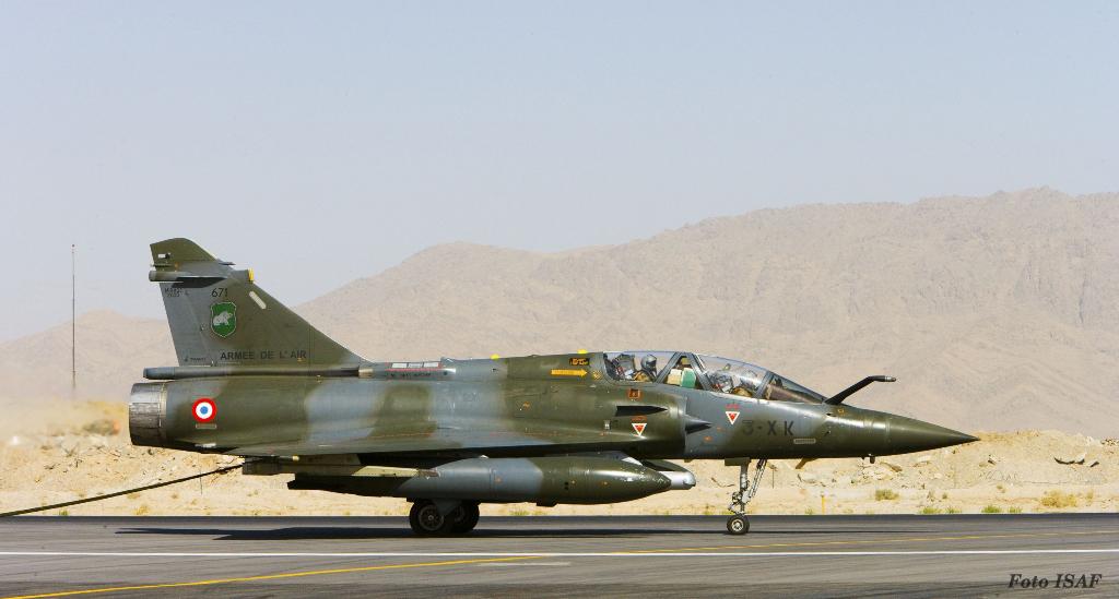 Mirage 2000D francês em Kandahar, para apoiar as forças terrestres a operar na região com mais eficácia
