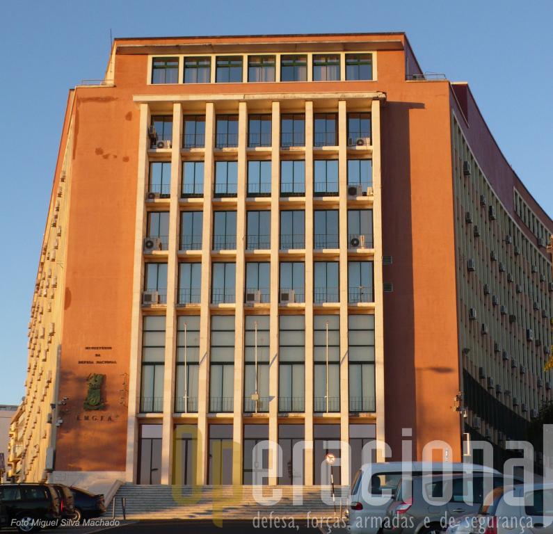 Do velho edificio do Restelo espera-se que saia nova legislação para a Defesa Nacional e Forças Armadas