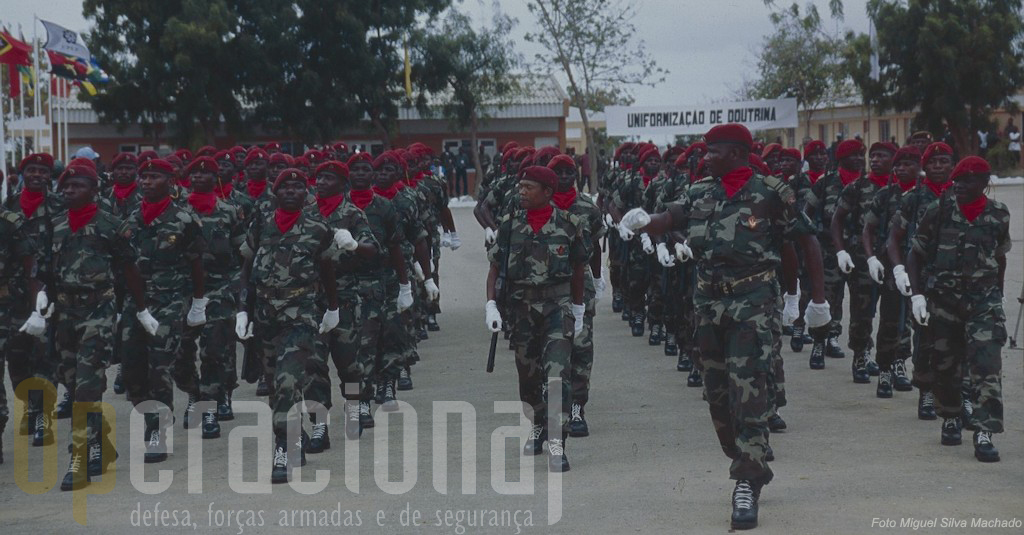 Comandos angolanos na sua base em Cabo Ledo por ocasião de um exercicio da CPLP