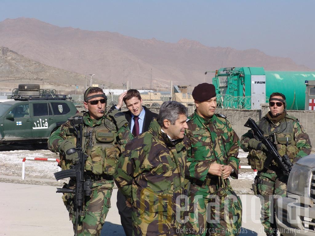 A Equipa de Protecção Pessoal durante a visita a Cabul de Severiano Teixeira, Ministro da Defesa Nacional.