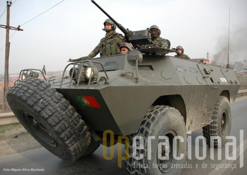 Chaimite V-200 no Kosovo, onde hoje ainda operam 9 destes veículos naquela que será a sua última missão ao serviço de Portugal
