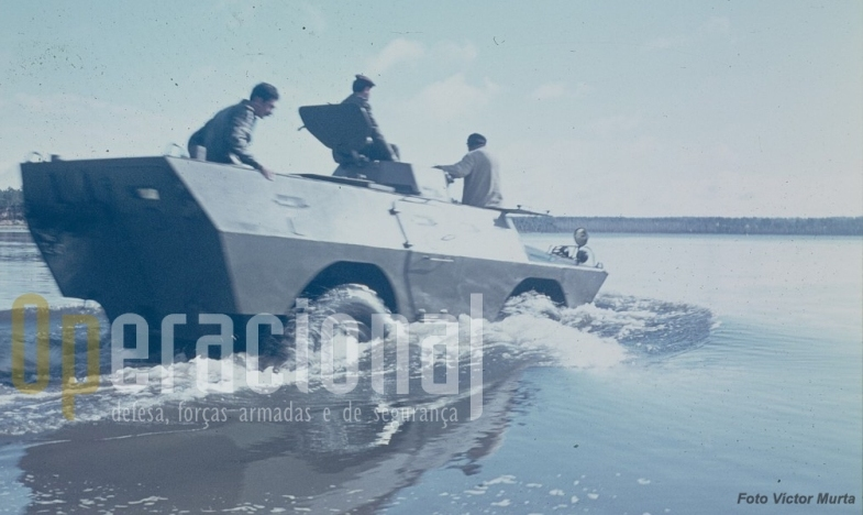 Na Lagoa de Magos durante instrução de condução anfibía