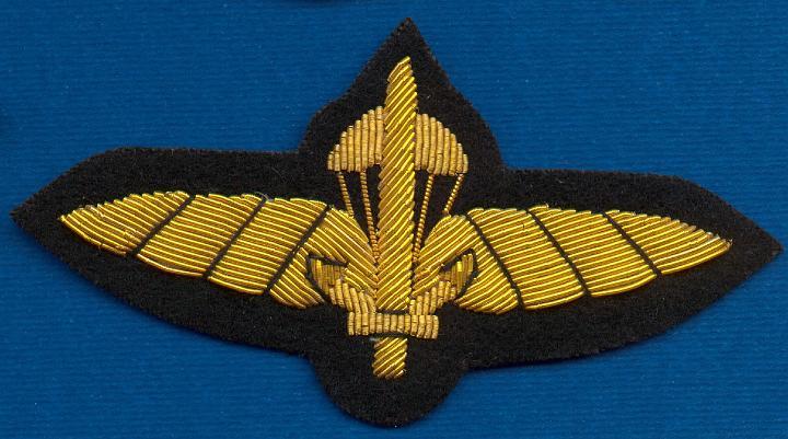 Distintivo em pano, bordado, de qualificação «SSG».(Foto cedida por J.Wiberg - coleccionador sueco)
