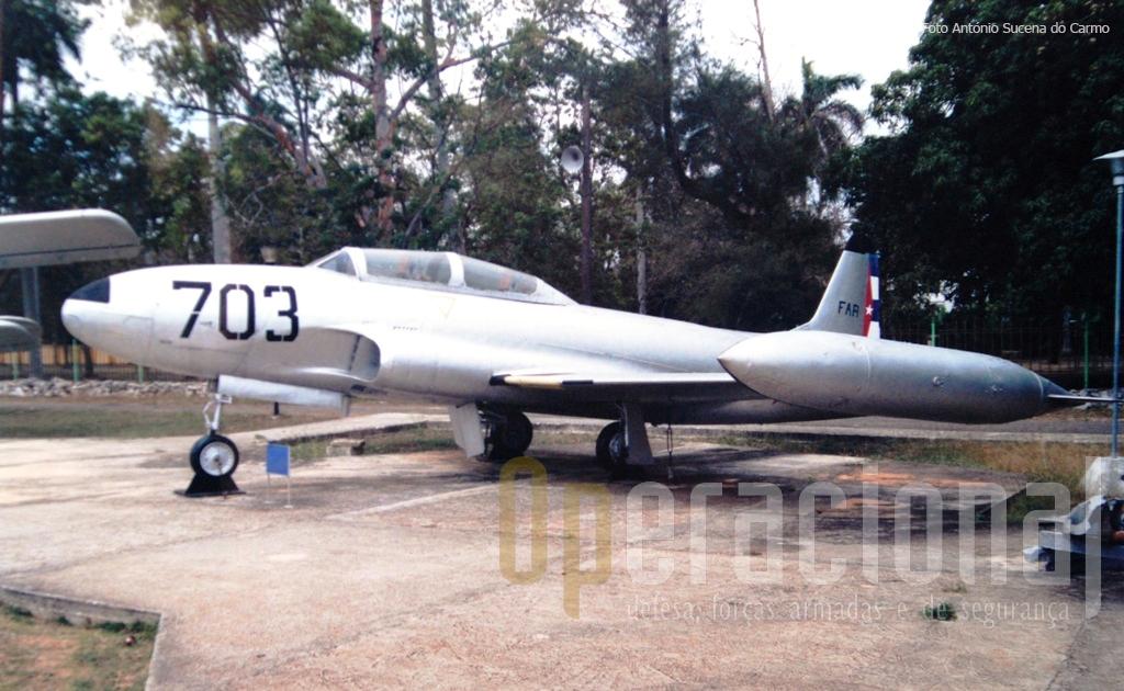 "Este Lockheed T-33 ""Shooting Star"" foi usado nos combates aéreos durante a invasão de Playa Girón, popularmente conhecida como ""Baía dos Porcos""."