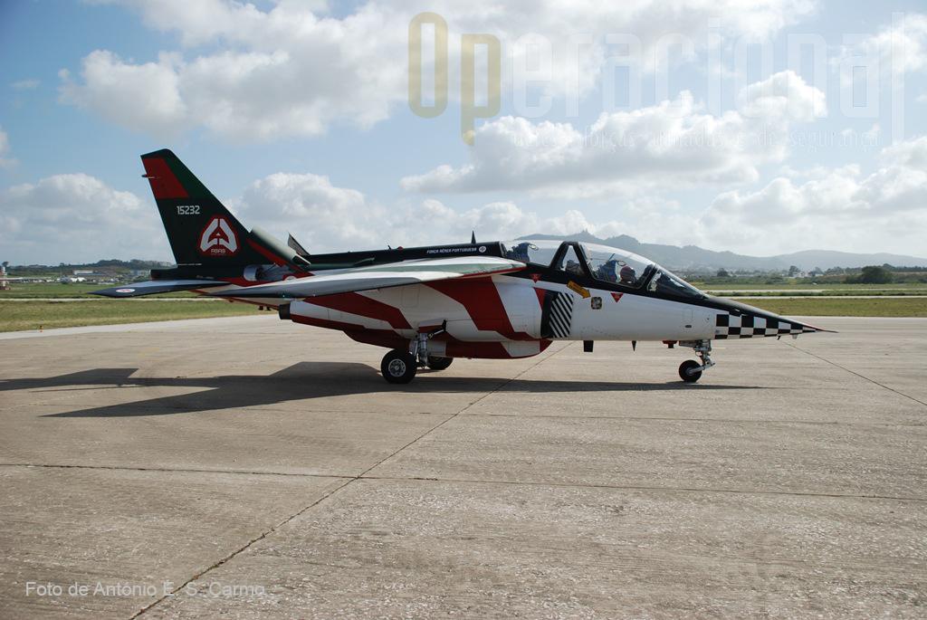 Vista parcial do esquema de pintura das aeronaves da Patrulha Acrobática «ASAS DE PORTUGAL».