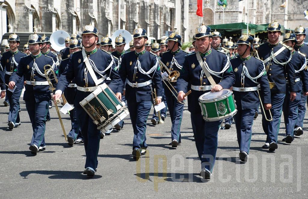 A Banda da Guarda que integra a Unidade de Segurança e Honras de Estado (USHE) encerrou o desfile comemorativo dos 98 anos da GNR.