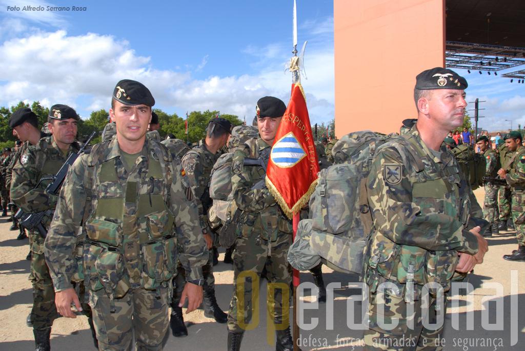 """Os militares espanhóis envolvidos no """"Apolo 09"""" pertenciam à «II Bandera» (batalhão) da Brigada Pára-quedista"""