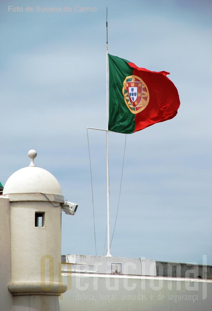 Reunir o maior número de Portugueses de qualquer idade, credo, raça ou ideologia política, foi um objectivo cumprido neste 16º Encontro Nacional de Combatentes. PORTUGAL, SEMPRE !