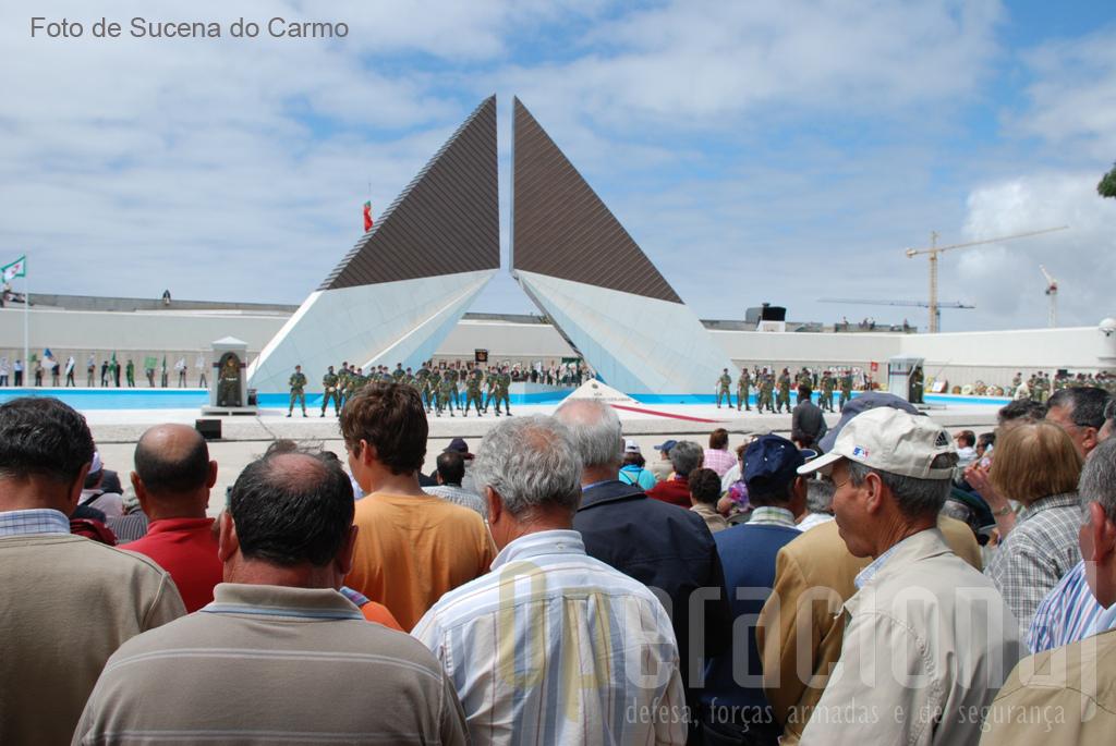 A cerimónia teve o seu início com uma sentida homenagem aos Combatentes. Foi ainda recordado o Herói de Aljubarrota e Santo D. Nuno Álvares Pereira, canonizado em Roma no passado dia 26 de Abril de 2009.