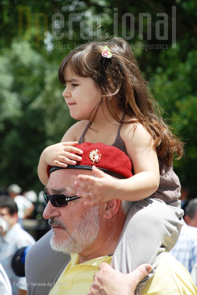 """Um militar """"comando"""" e a participação das gerações futuras."""
