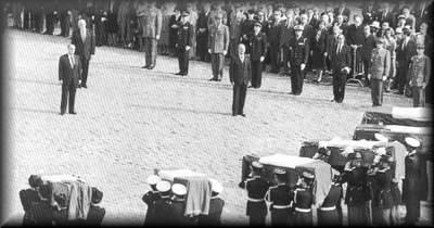 O Presidente da República Francesa recebeu os restos mortais regressados da Indochina