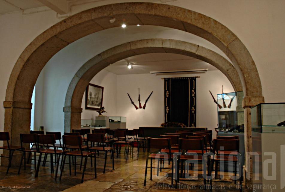 Conferências, seminários e memso aulas têm aqui um espaço agradável e funcional