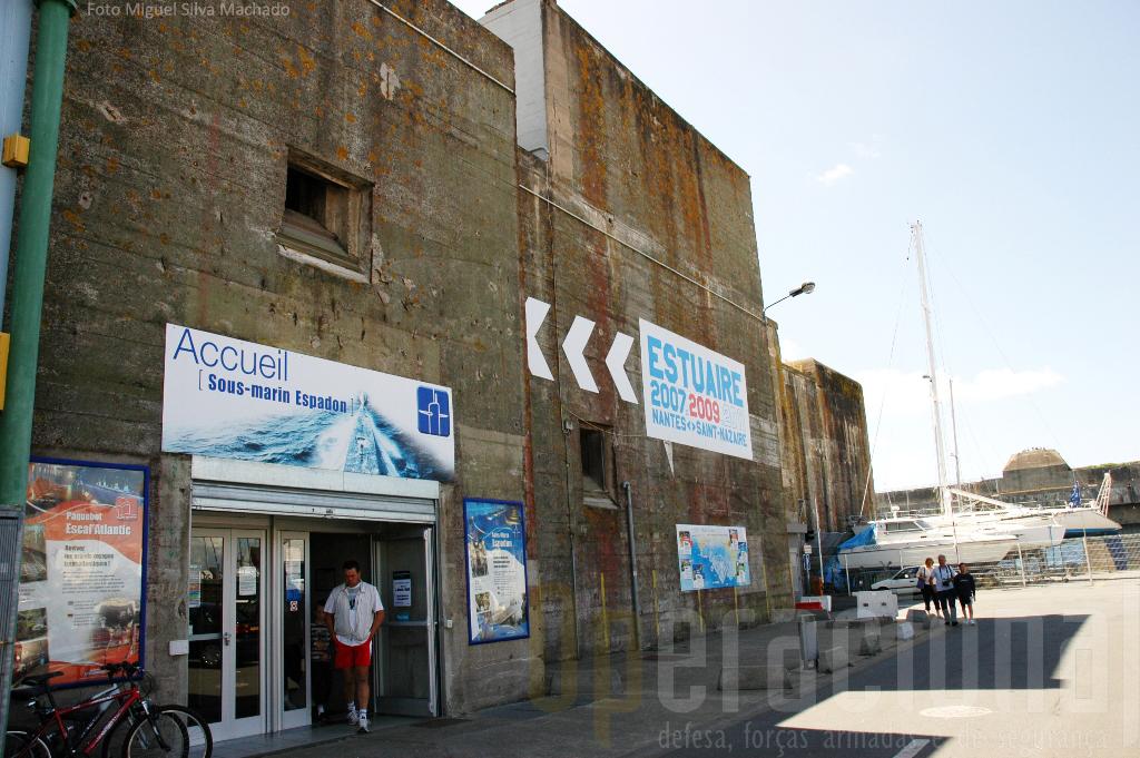 Ao museu chega-se facilmente de carro ou a pé, havendo estacionamento. O tecto da eclusa fortificada pode ser visitado e tem acesso por escadas e elevador