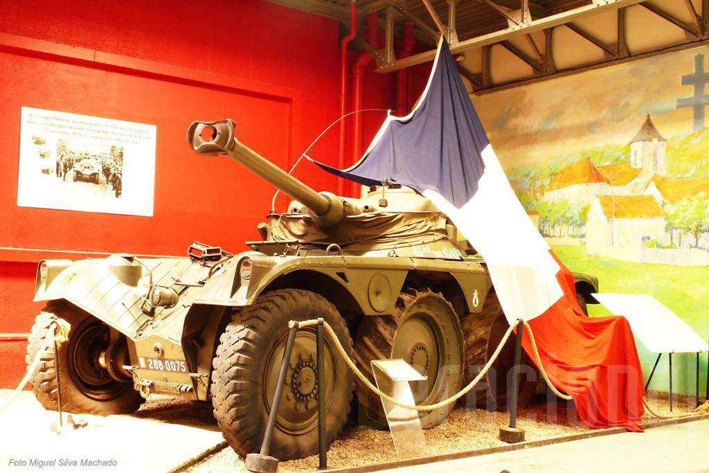A EBR Panhard que transportou o corpo do General De Gaulle no seu funeral encontra-se hoje em Saumur