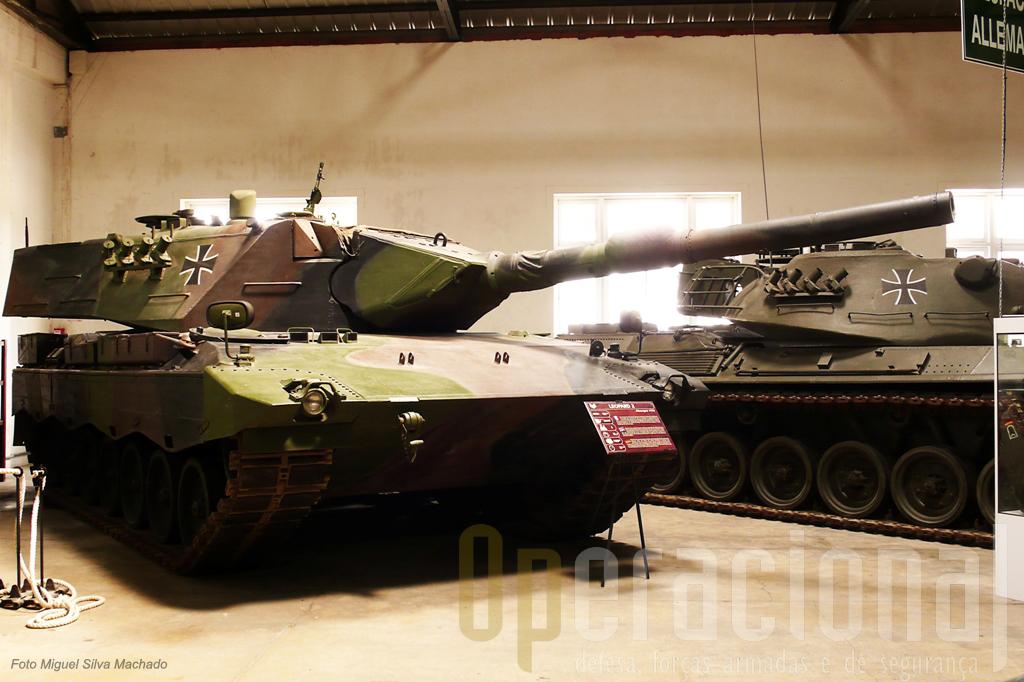"""A Alemanha do pós-guerra tem vários carros nesta sala, nomeadamente o """"Leopard 2"""""""