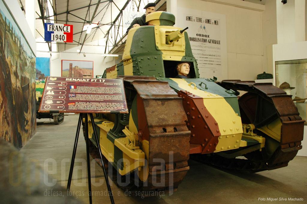 """Este """"Renault FT17"""" de 1918 ainda hoje está em funcionamento e actua em diversos eventos do museu"""