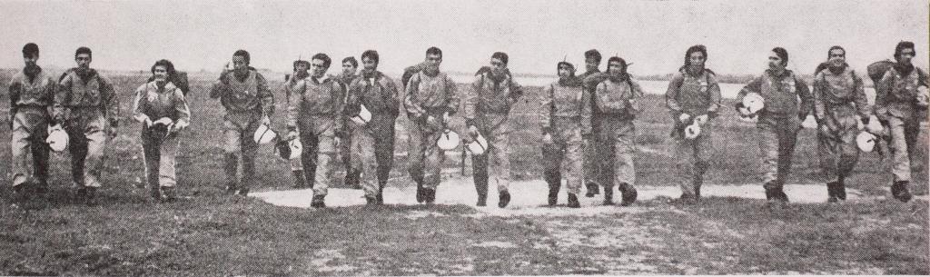 """1972 - Festival Aeronáutico do """"DIA DA MOCIDADE PORTUGUESA"""" realizado em Alverca. (Foto de arquivo)"""