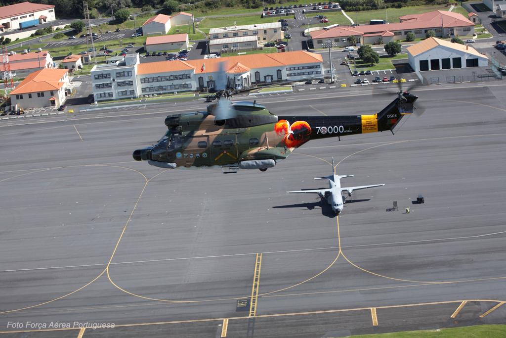 Os SA-330 deverão servir na Base Aérea 4 - que o 19504 sobrevoa - até à completa estabilização da frota EH-101