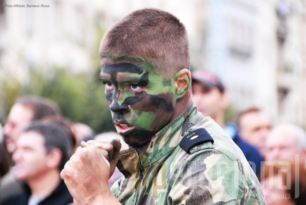 O que se espera de um miliar é que na altura própria e de acordo com o que lhe é determinado pela cadeia de comando, esteja treinado, equipado e motivado para cumprir as missões atribuídas, mesmo as mais exigentes.