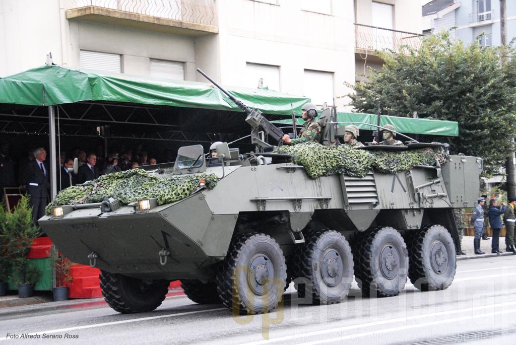 Pandur II 8x8 da Brigada de Intervenção.