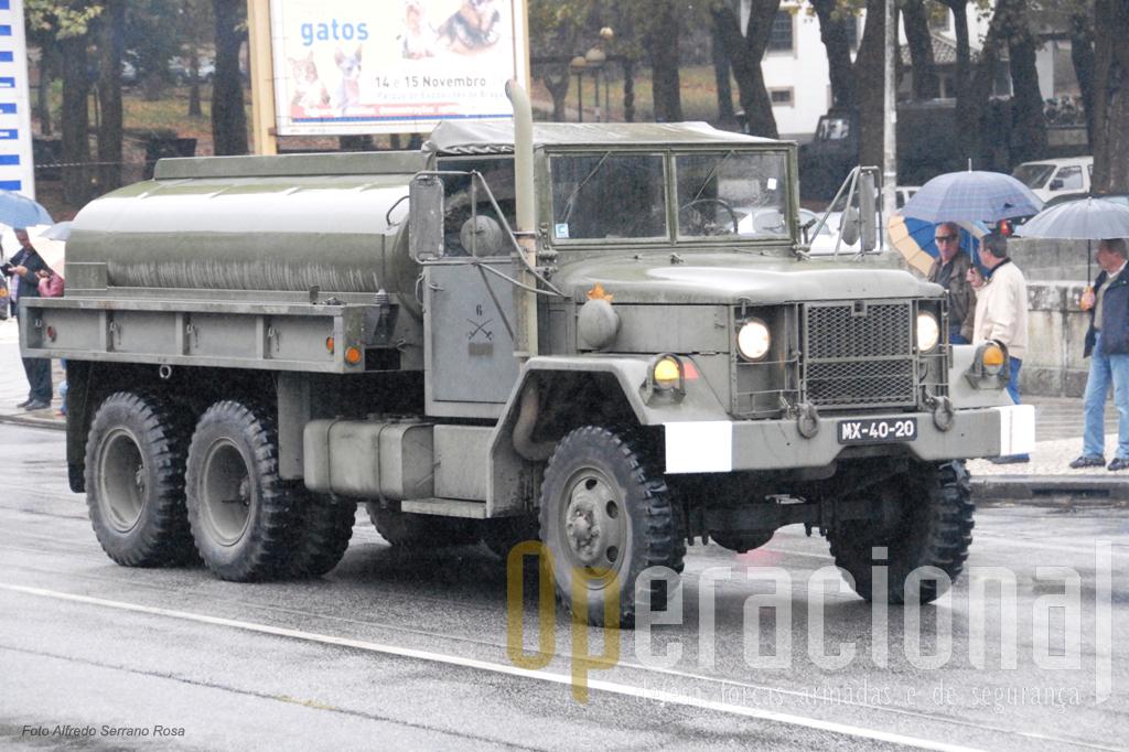 Auto-Tanque de transporte de combustível M49A2C