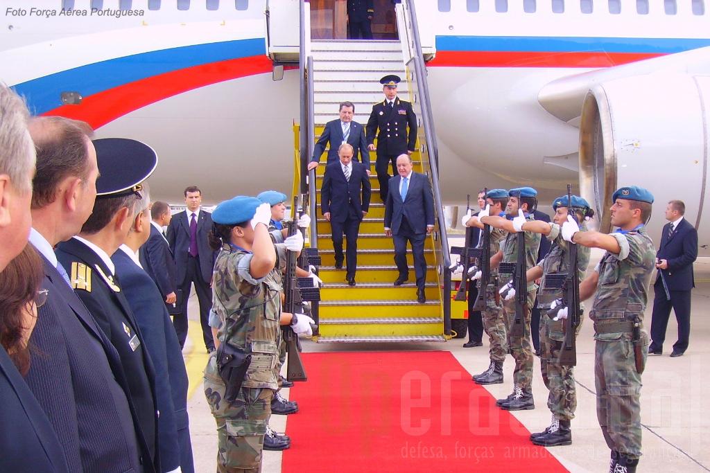 Visita do então Presidente Putin a Portugal. A Policia Aérea não só prestou Honras Militares como...