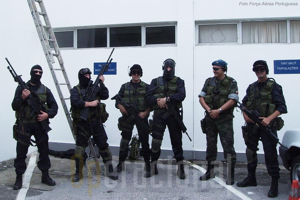 ...como garantiu a segurança da chegada ao AT1 através de uma Equipa Táctica da UPF.