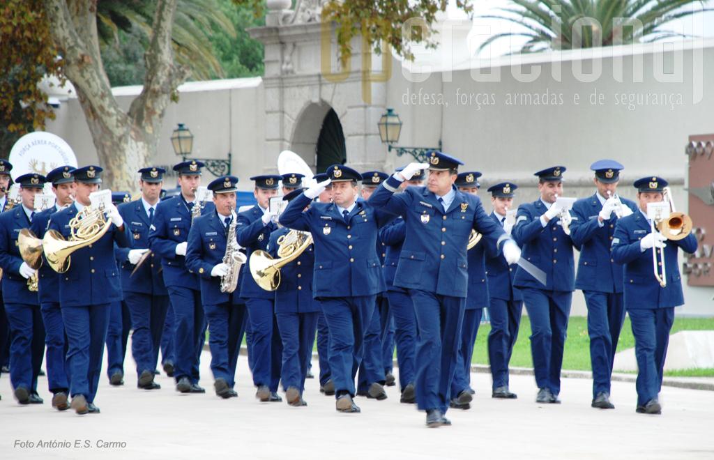 A Banda da Força Aérea Portuguesa abriu o desfile das Forças em Parada.