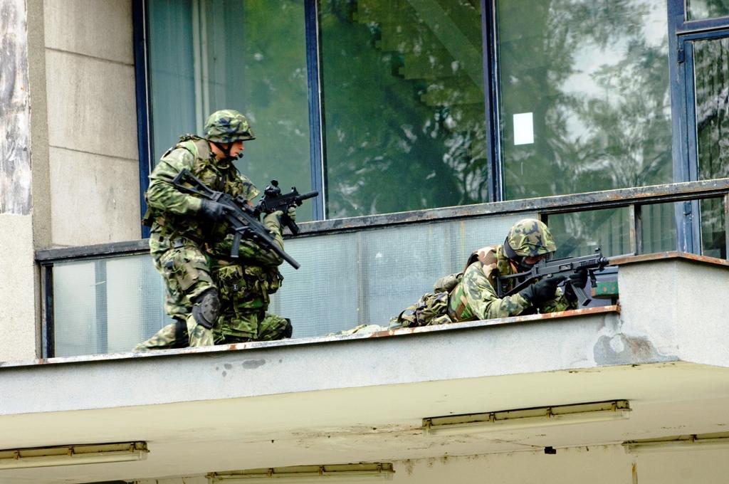 O combate anti-terrorista é treinado com regularidade e a unidade recebe armamento e equipamento modernos com prioridade. (Foto de Mário Pazický via autor)