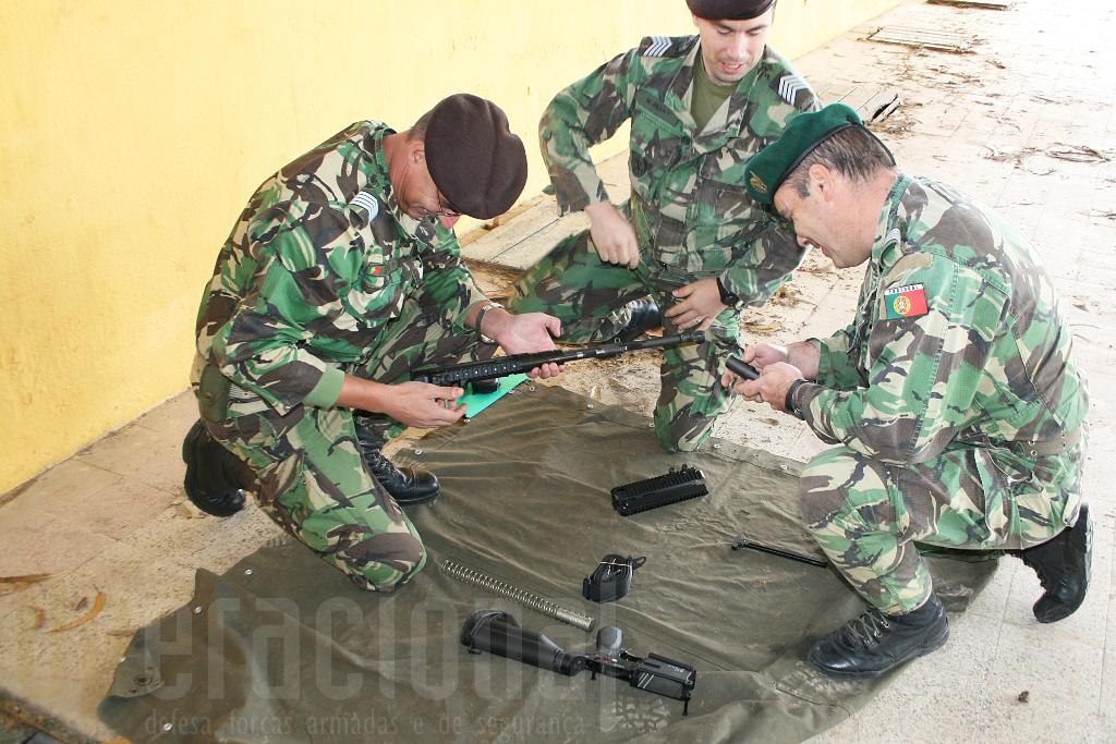 Militares das várias unidades da Brigada de Reacção Rápida tiveram oportunidade de se familiarizar com a arma