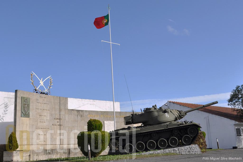 """O M-47 """"Patton"""" quando chegou a Portugal nos anos 50 também era, à semelhança hoje do Leopard, um carro de combate moderno."""