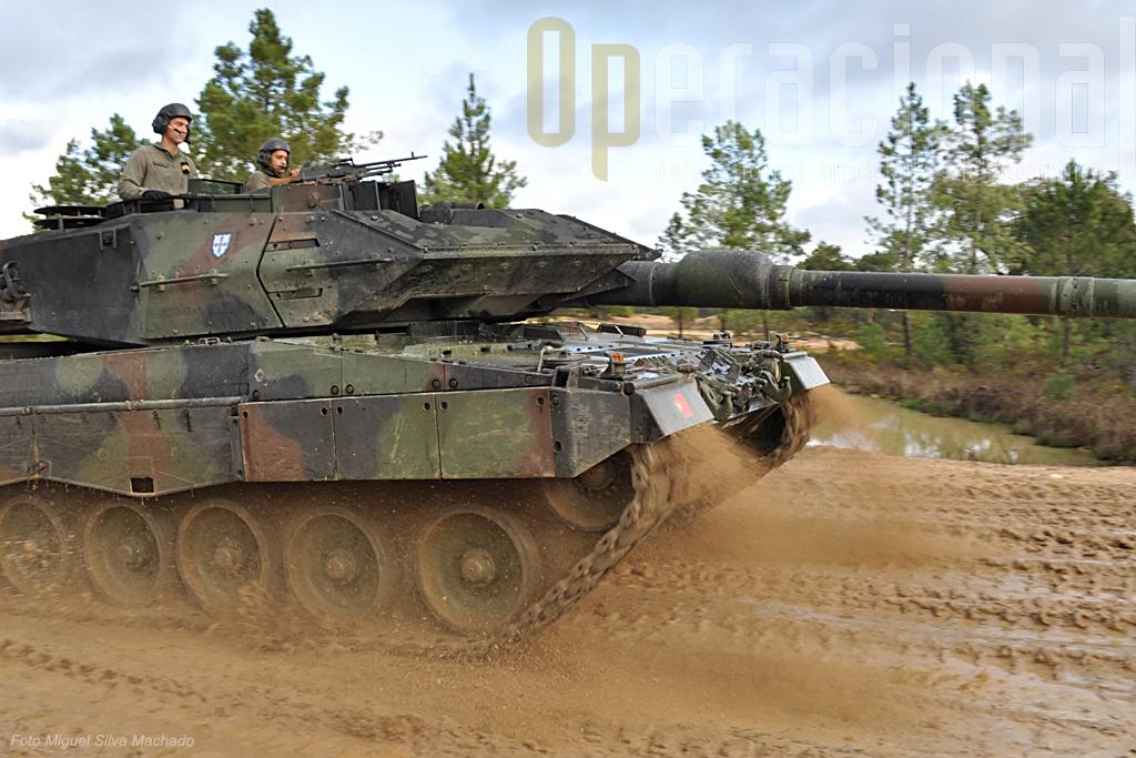 O Leopard 2A6 é hoje usado por vários países aliados em cenários de guerra