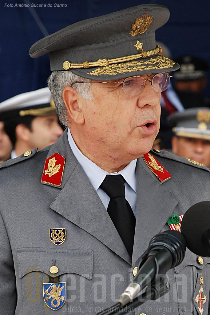 O Chefe do Estado-Maior General das Forças Armadas - na foto o general Valença Pinto - integra o Conselho Supeior de Segurança Interna.