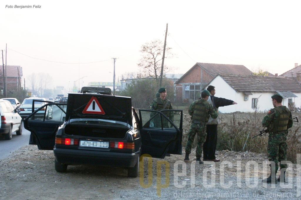 A participação nas missões exteriores tem dado às Forças Armadas, nomeadamente ao Exército, prática real de algumas missões tipicas da segurança interna