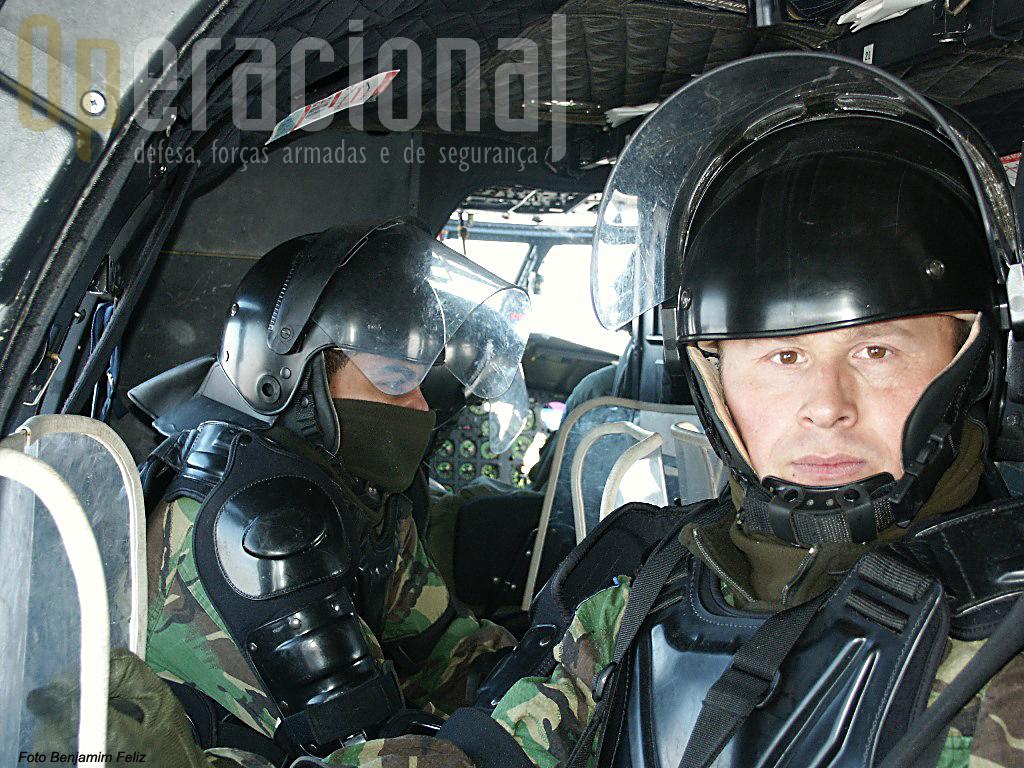 Os militares hoje são profissionais e contratados, muitos com enorme experiência operacional real nas missões exteriores