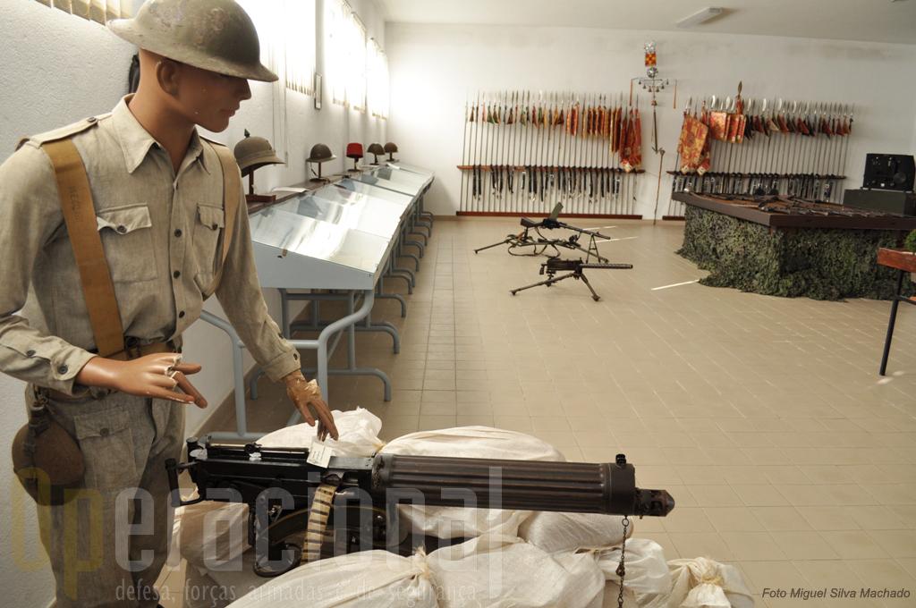 No espaço museológico da unidade podemos encontrar, alusões a vários periodos da nossa história militar do século XX, através de armas, equipamentos, fardamentos e simbolos heráldicos.