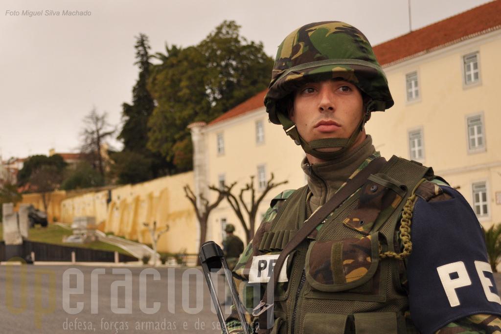 1.A Policia do Exército dispõe hoje de capacidades adequadas às necessidades do Exército, das Forças Armadas e de Portugal