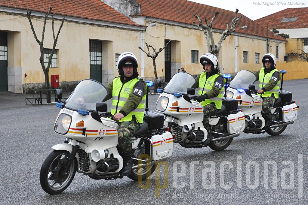 """As BMW RT 80 deixaram o serviço activo no passado dia 5 de Fevereiro com dignidade e simbolismo, encerrando os seus 15 anos de trabalho no RL 2 com um interessante """"carrocel moto"""""""