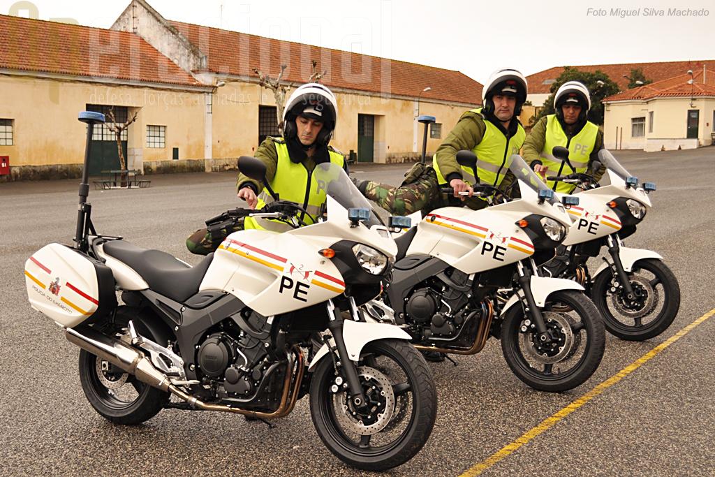 Inicio de mais um ciclo para os Batedores Moto da Policia do Exército: montar nas Yamaha TDM 900. A moto é uma ferramenta de trabalho imprescindível em muitas das missões do Regimento