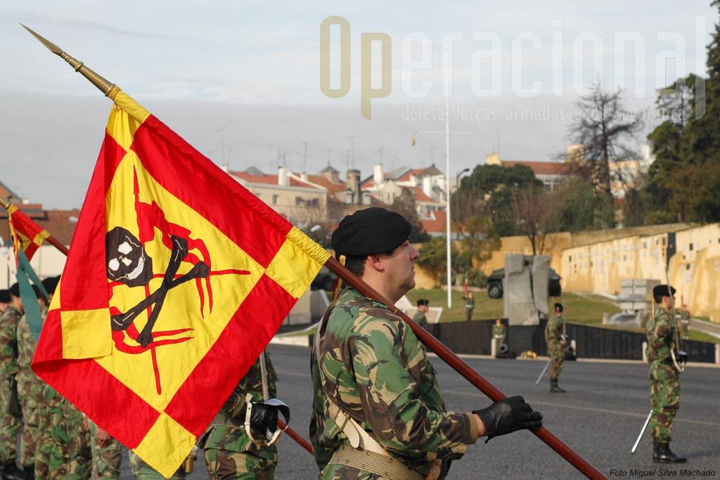 …que em 2009 quase atingiu as 1.000, das honoríficas às de segurança, muitas em proveito de entidades exteriores ao Exército
