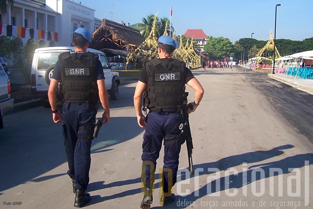 Sucessivos contingentes da GNR tem desempenhado um papel de enorme relevo na estabilização da situação de segurança em Timor-Leste