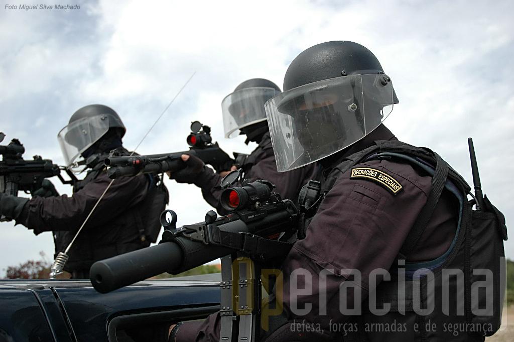 Além das missões internacionais as Operações Especiais da GNR têm executado muitas missões em Portugal na área de intervenção da Guarda