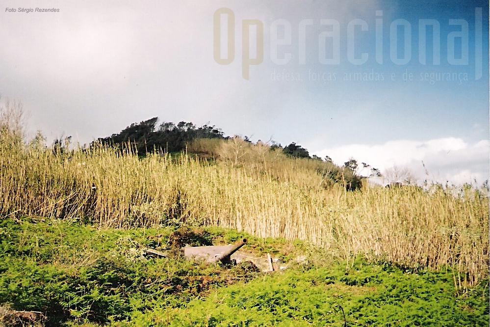 A Bateria foi construída no Pico da Castanheira