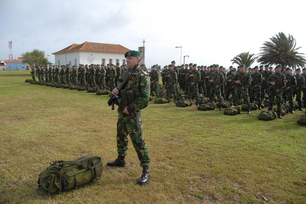 O 2º Batalhão de Infantaria Pára-quedista parte para o Kosovo com uma organização adaptada à missão de KFOR Tactical Reserve Manouver Battalion.