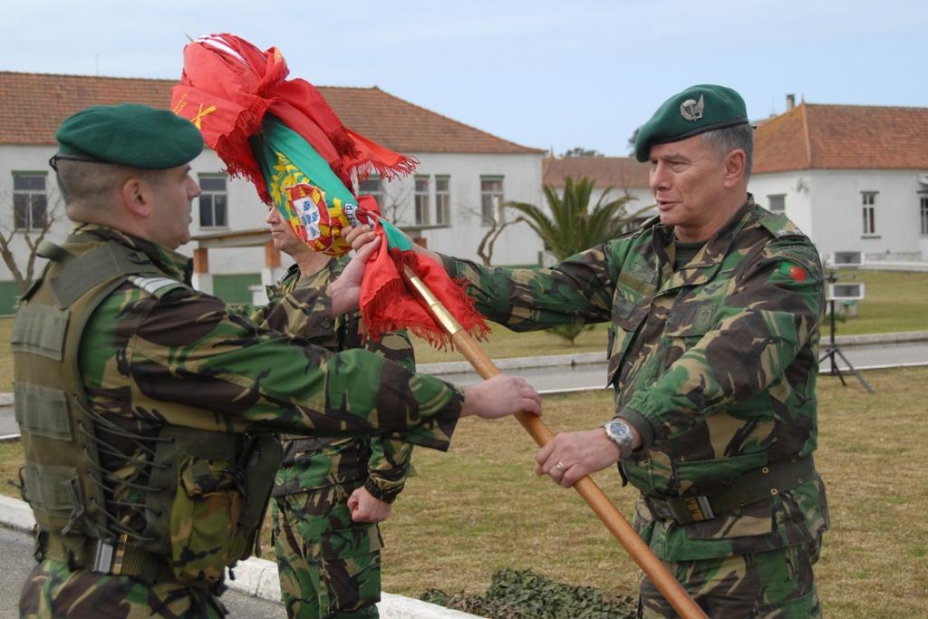 ...e Tenente-Coronel Pára-quedista Nuno Moreira (comandante do 2ºBIPara).