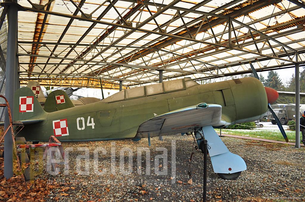 O avião de instrução JAK-11 utilizado pela Força Aérea Polaca entre 1949 a 1962.