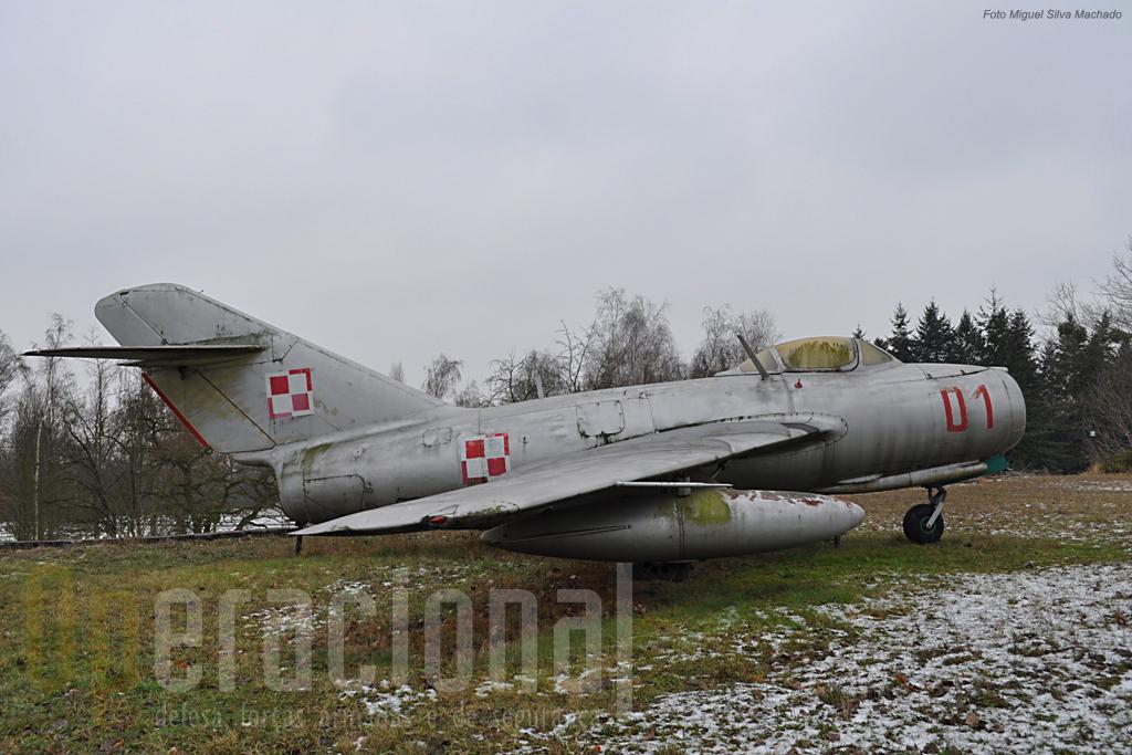 O Mig-15 um dos primeiros caças a jacto de origem soviética produzido logo após a 2ª Guerra Mundial
