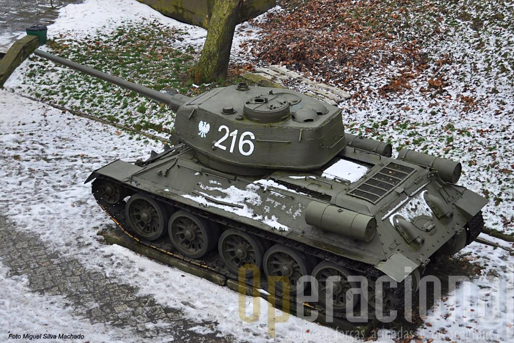 O T-34 certamente o mais célecre carro de combate soviético da 2ª Guerra Mundial