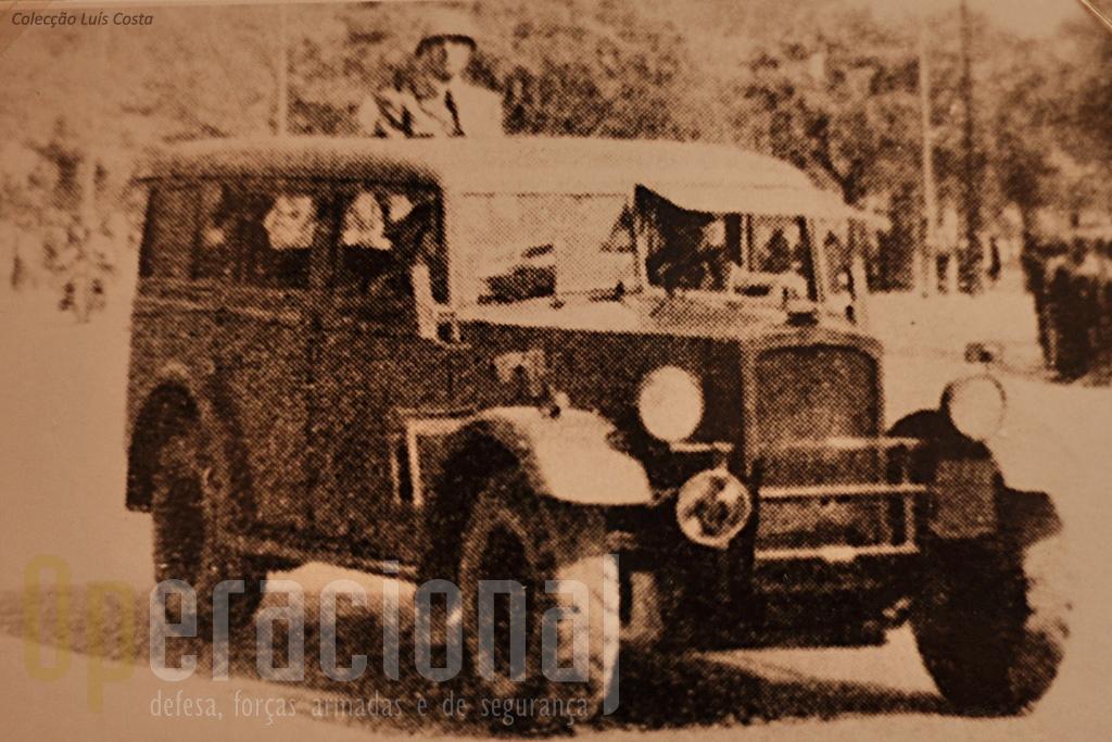 """Viatura de Transporte de Pessoal """"Humber"""" FWD TP3 4x4 m/1942"""