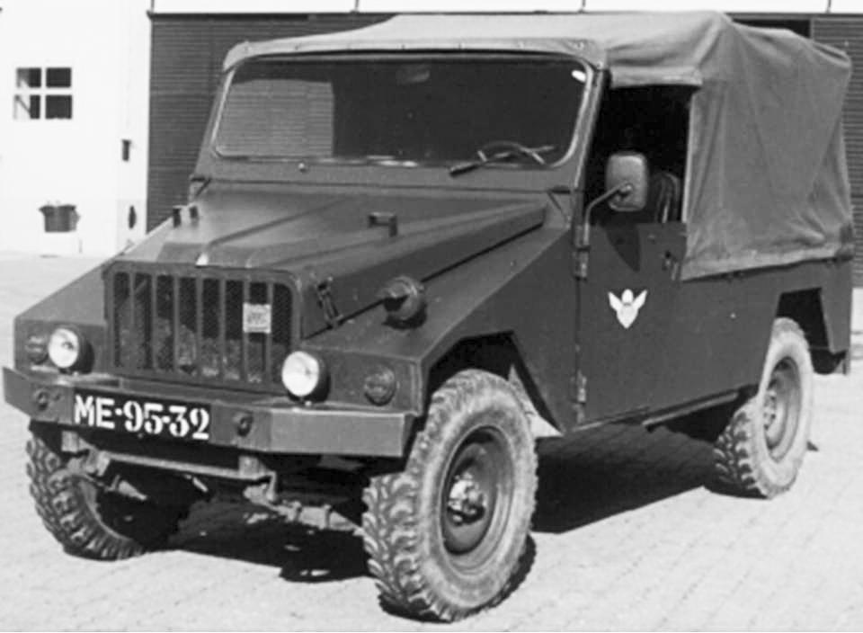 Viatura de Transportes Gerais UMM Cournil 0,5 ton. 4x4 m/1979